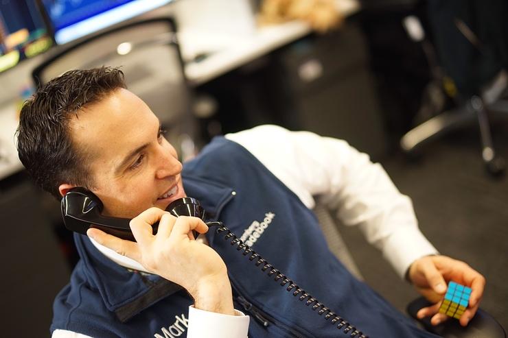 Mark Teixeira Making Calls