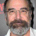 Mandy Patinkin Urges Leaders Across Europe And The US To Expand Legal Routes For Refugees