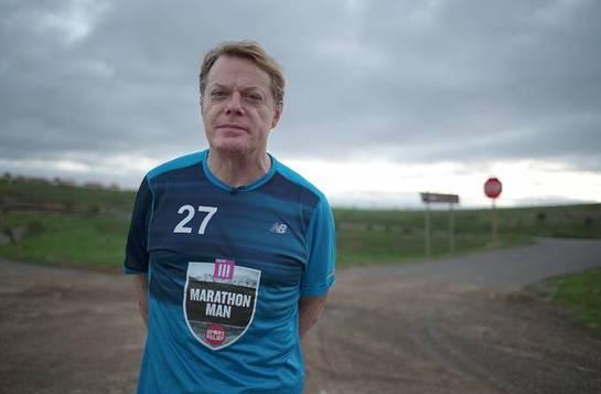 Eddie Izzard Starts Marathon Challenge