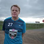 Eddie Izzard Begins Marathon Challenge For Sport Relief