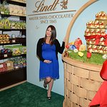 Soleil Moon Frye Helps Launch Seventh Lindt Gold Bunny Celebrity Auction