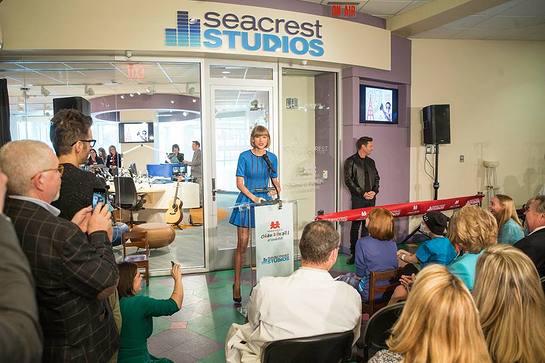 Taylor Swift joins Ryan Seacrest to open Seacrest Studio