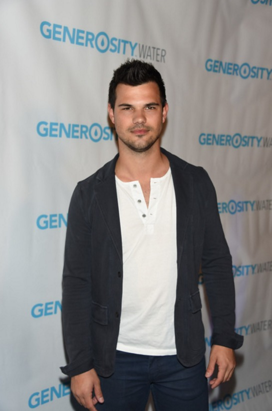 Taylor Lautner attends Generosity Water launch event on World Water Day.