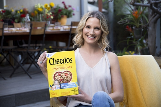 Jennifer Nettles Supports 5th Year of Outnumber Hunger Campaign to Help Fight Hunger