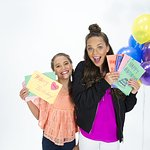 Maddie And Mackenzie Ziegler Do Something For Homeless Children