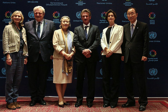 Ban Ki-moon, UN Emergency Relief Coordinator Stephen O'Brien and actor Sean Penn, before the screening of The Last Face at the World Humanitarian Summit