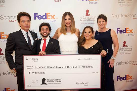 Richard Marx, St. Jude patient Stephan, Daisy Fuentes, Gala honoree Patty Gutierrez, ALSAC/St. Jude Children's Research Hospital's Chief Marketing Officer Emily Callahan
