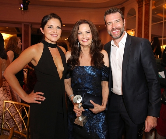 Gracies Host Marika Dominczyk (L), Lifetime Achievement Honoree Lynda Carter and Scott Foley