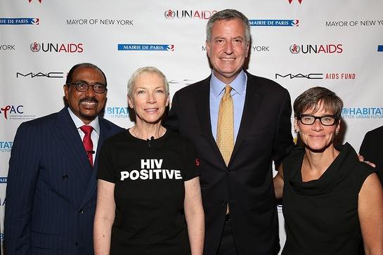 Annie Lennox joins NYC Mayor de Blasio, Nancy Mahon of the MAC AIDS Fund, Michel Sidibe of UNAIDS