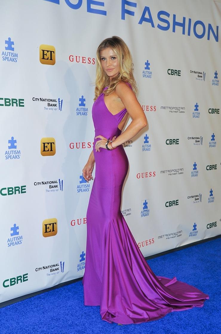 Joanna Krupa attends Autism Speaks La Vie En Blue Fashion Gala
