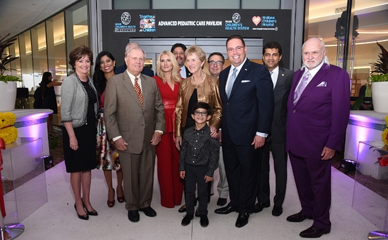 Patty McDonald, Lucy Morillo, Jack Nicklaus, Marile and Jorge Luis Lopez, Barbara, Alex Soto, Nicklaus patient Ralphie Mario Murgado, Dr. Narendra Kini and Michael Fux