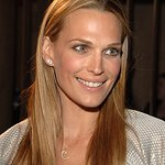 Molly Sims To Be Honored By Jhpiego
