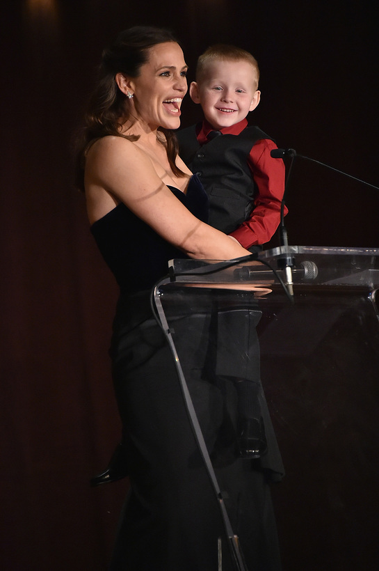 Jennifer Garner onstage with Brantley Smith, an Early Steps participant from West Virginia