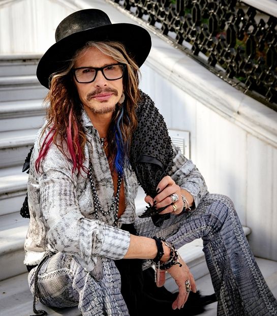 Steven Tyler will receive the 2016 Humanitarian Award at the United Nations' Ambassadors' Ball in December honoring his philanthropy: Janie's Fund