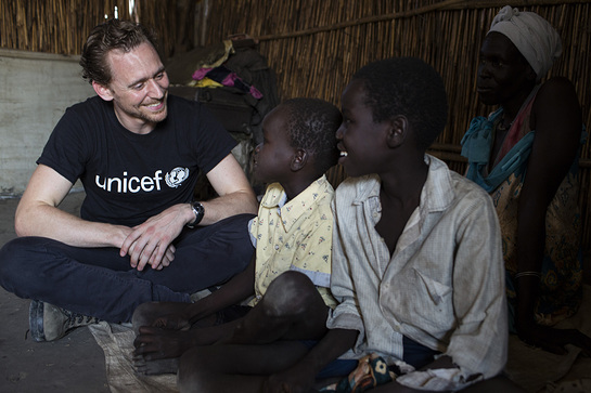 Tom Hiddleston meets children at the Protection of Civilians camp in Bentiu, South Sudan