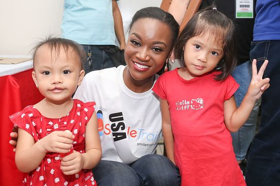 Miss USA Deshauna Barber in the Philippines with Smile Train