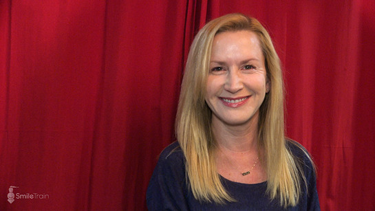 Angela Kinsey shares a smile backstage at Pardcast-a-Thon 2017