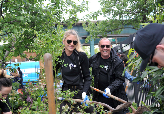 Michael Kors Teams Up With Bette Midler's NYRP To Beautify Brooklyn Park