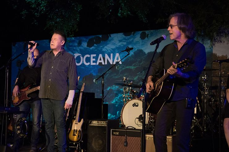 Don Henley Performs With Jackson Browne