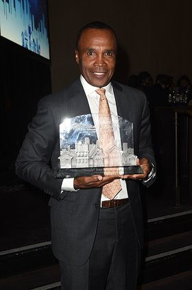 Sugar Ray Leonard at the Habitat LA 2017 Los Angeles Builders Ball