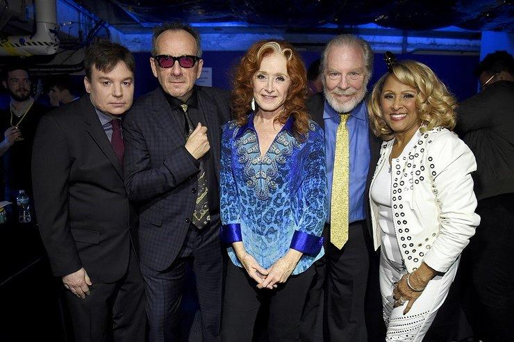 Mike Myers, Elvis Costello, Bonnie Raitt, Michael McKean and Darlene Love