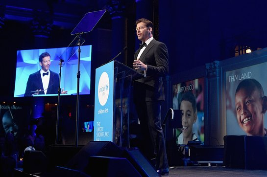 Host Harry Connick Jr. speaks on stage during 13th Annual UNICEF Snowflake Ball 201
