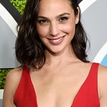 Gal Gadot to Receive #SeeHer Award at 23rd Annual Critics' Choice Awards