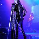 Steven Tyler Rocks Star-Studded Celebrity Fight Night