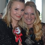 Kristen Bell Helps Honor 23 Gymnasts In Their Fight Against Abuse