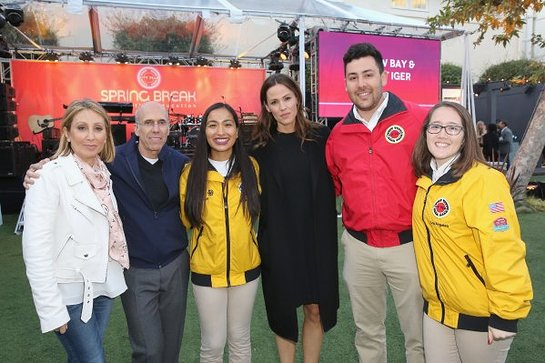 Jeffrey Katzenberg, Jennifer Garner and City Year AmeriCorps members