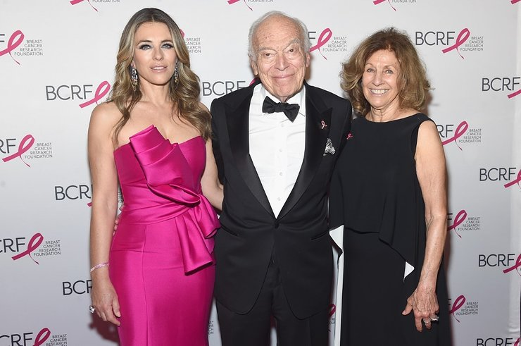 Elizabeth Hurley With Leonard and Judy Lauder