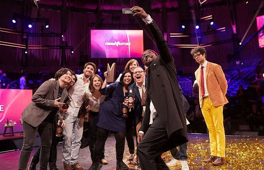 will.i.am takes selfie with judges and finalists at the Chivas Venture