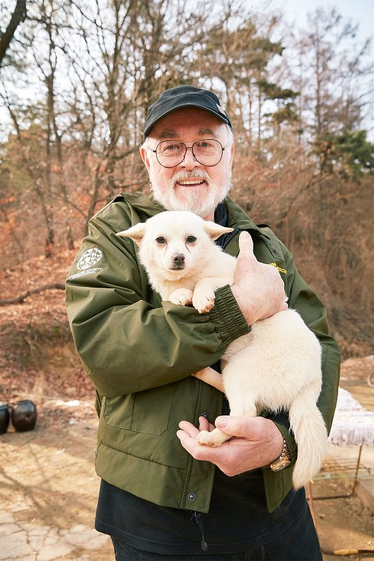 Peter Egan Helps Save Dogs