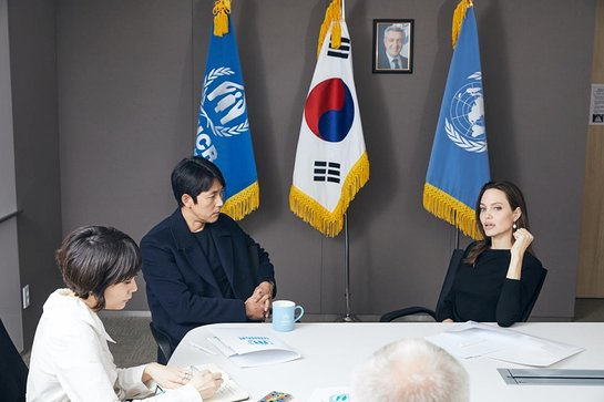 Angelina Jolie and UNHCR Goodwill Ambassador for Korea Jung Woo-sung meet at the UN Refugee Agency's office in Seoul