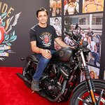 Stars Attend Kiehl's 10th Annual LifeRide for amfAR