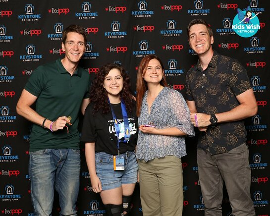 Madelyn at Keystone Comic Con with the Weasley Trio