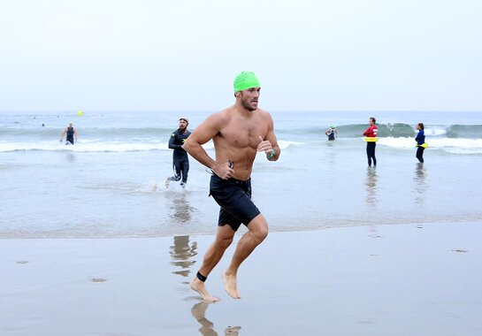 Scott Eastwood Takes Part in Nautica Malibu Triathlon