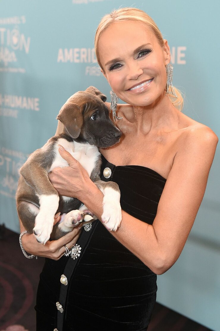 Kristin Chenoweth at the 2019 American Humane Hero Dog Awards