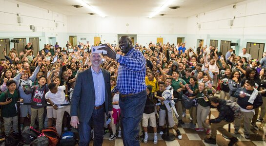 Epson and Shaquille O'Neal Collaborate with Communities In Schools of Los Angeles
