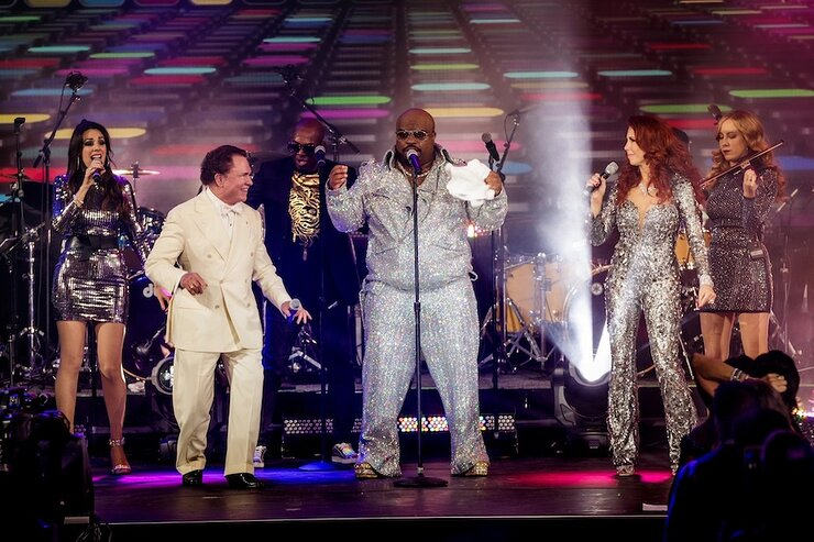 CeeLo Green Performs at Gateway for Cancer Research Cures Gala