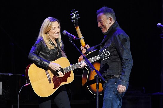 Sheryl Crow and Bruce Springsteen Perform at Stand Up for Heroes