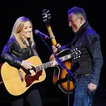 Sheryl Crow and Bruce Springsteen Stand Up For Heroes