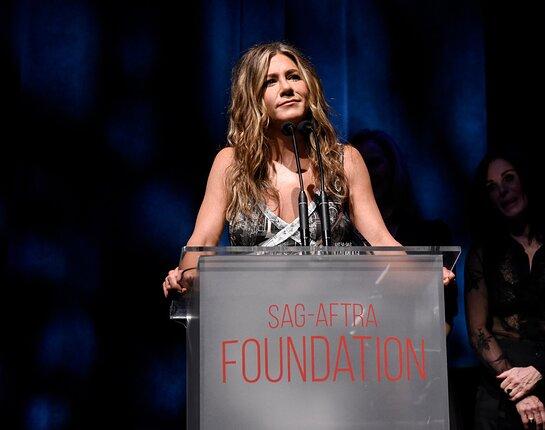 Jennifer Aniston receives the Artists Inspiration Award