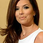 Eva Longoria Accepts Donation For Children's Cancer Charity