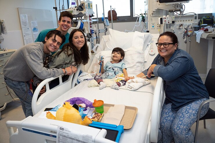 Mackenzie Ziegler Joins Patients For Bedside Music Therapy Sing Along