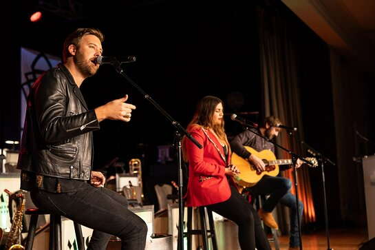 Lady Antebellum honored with Angels Among Us award