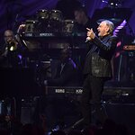 Neil Diamond Gives Surprise Performance at Keep Memory Alive's 24th Annual Power of Love Gala