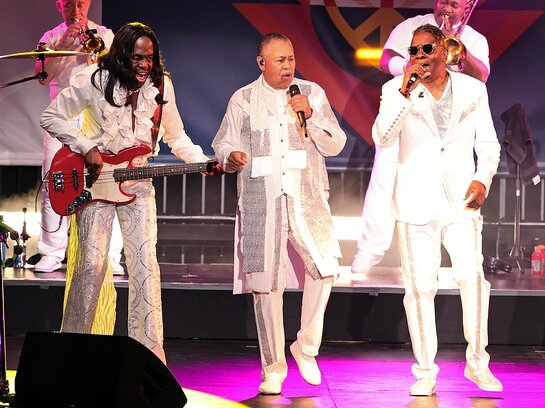 Earth, Wind & Fire perform onstage at the 28th Annual Race To Erase MS