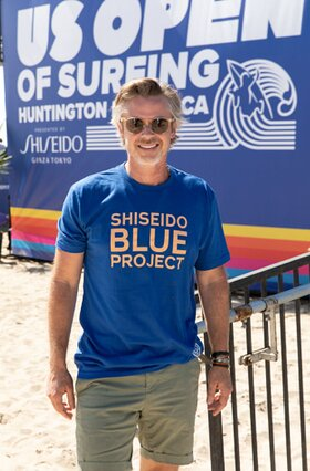 Sam Trammell attends the Shiseido Blue Project's West Coast beach cleanup