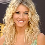 Julianne Hough Supports The Heart Truth